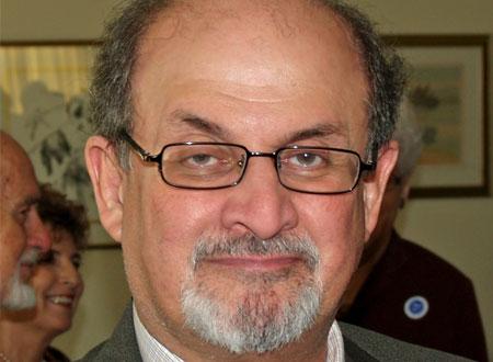 جماعة إسلامية تمنع سلمان رشدي من حضور مهرجان جيبور الأدبي