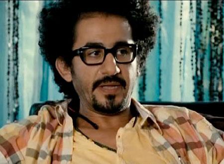 """أحمد حلمي حائر بين """"خليك لئيم"""" و """"مجرد كتاب"""""""