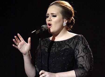 أديل أكثر مغنية شعبية في بريطانيا 2011
