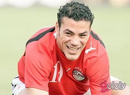 40 غرزة بالرأس.. تعرف على تطورات حالة عمرو زكي بعد الحادث.. فيديو