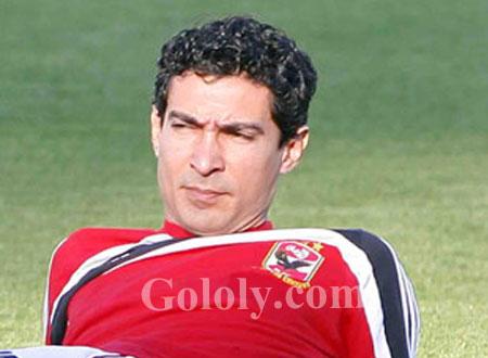 مصدر في الأهلي يؤكد انفراد Gololy حول اعتزال محمد بركات