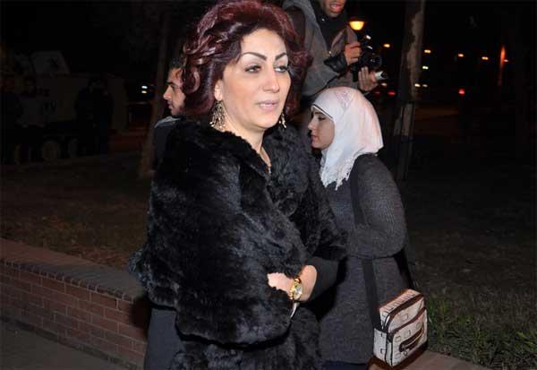 وفاء عامر - عزاء والد شيري عادل
