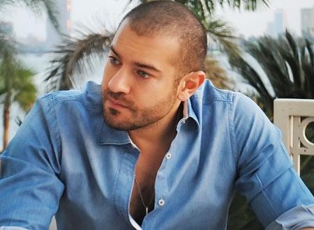 عمرو يوسف ينتظر هدوء الأوضاع للبدء في تصوير «القضية اكس»