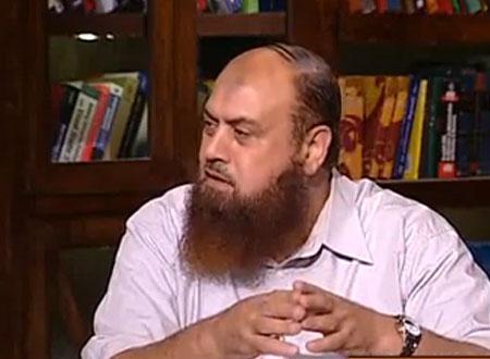 بعد أن وصف مرسي بـ«الكلب».. نبيل نعيم ممنوع من الظهور على التليفزيون