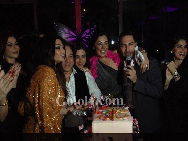 9876d06a2571c هيفاء وهبي في عيد ميلاد بسام فتوح.. ضحك ولعب وجد وغناء