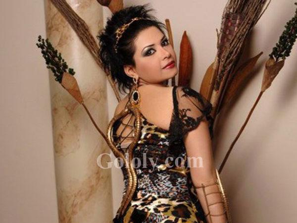 38bd72594 جولولي | لمياء طارق في أغرب فستان يمكن أن تراه عينك!.. صور