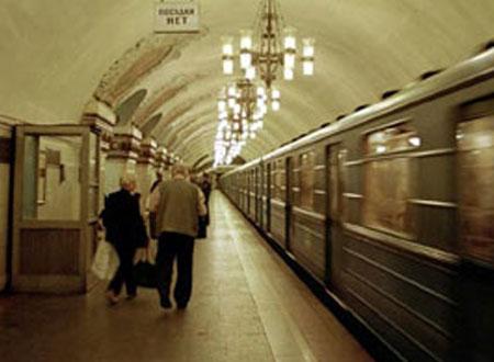 «دراكولا» في مترو أنفاق موسكو