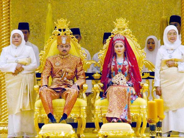 من معرض المصور الضوئي عمار عبد ربه في الثقافي الفرنسي: «عروسة ولي عهد سلطنة