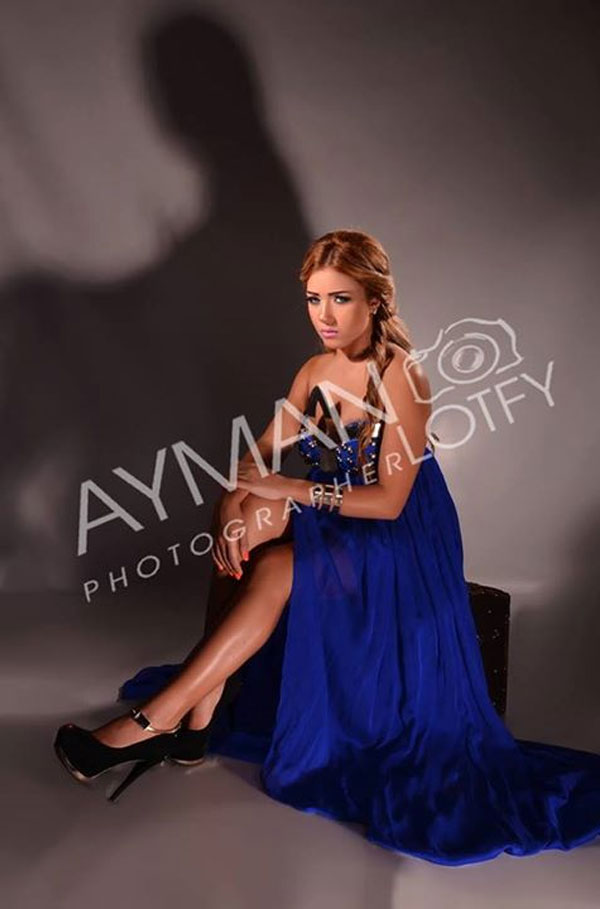بالصور سارة سلامة أكثر جرأة وإثارة بفستان أزرق 2014-05-01_00171.jpg
