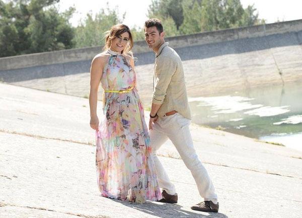 بالصور أماني السويسي ترتدي فستان الزفاف 2014-05-03_00353.jpg