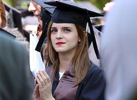 إيما واتسون تتخرج من الجامعة.. صور