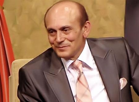 صورة نادرة تجمع محمد صبحي مع منى زكى في بدايتها .. شاهد