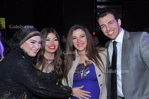 دنيا سمير غانم مع صابرين في مهرجان دير جست