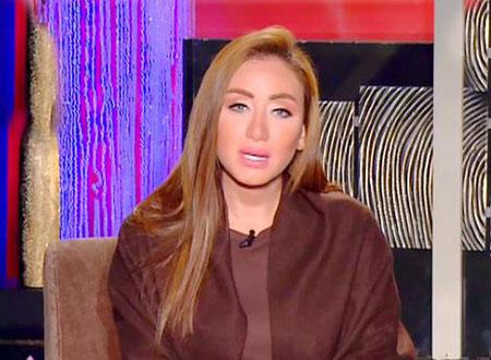 نقيب الممثلين يتدخل لفض الاشتباك بين ريهام سعيد وريم البارودي