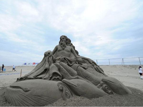 معرض ياباني لتحف من الرمال 2014-07-14_00095