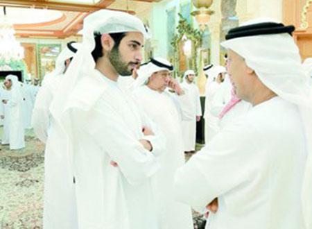 زايد بن سلطان بن خليفة يقيم مأدبة إفطار رمضانية