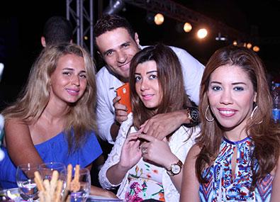 حفل انريكي اجلاسيس في مارينا - البوم