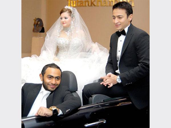 زفاف حمادة هلال وزوجتة اسماء سميح بسيارة تامر حسنى