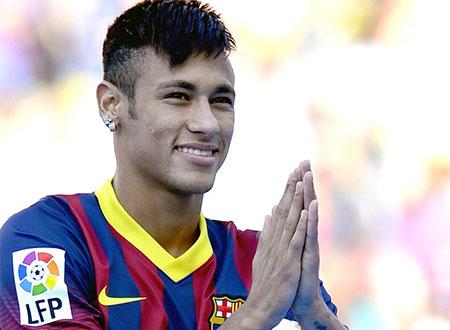 بلاي بوي تلبي مطالب نيمار لاعب برشلونة بسبب علاقة جنسية