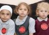 """عائلة بريطانية مسلمة ترسل أطفالها للمدرسة بملابس """"حلال"""