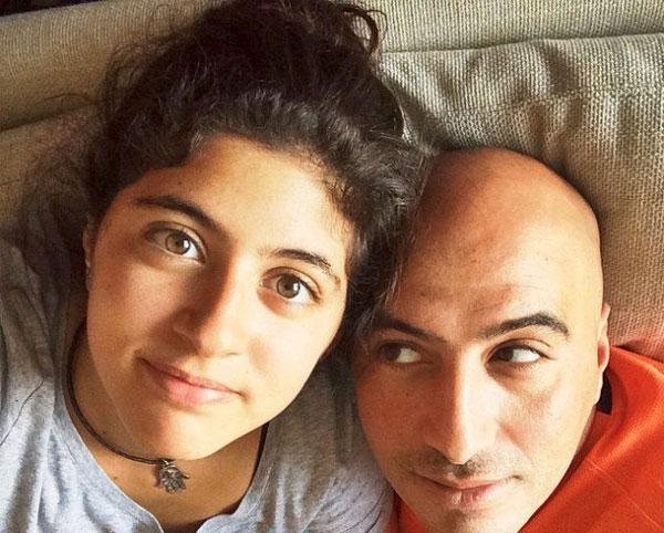 صورة غادل عادل وابنتها تصدم