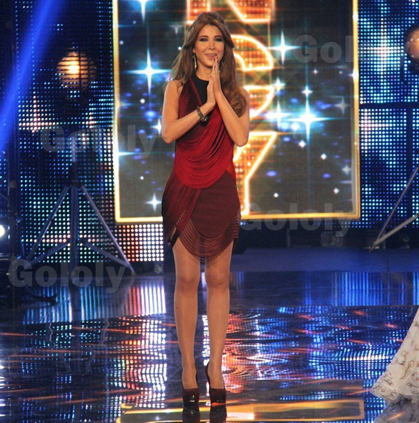 صور فستان نانسي عجرم الأحمر في Arab Idol يبهر جمهور أراب أيدول