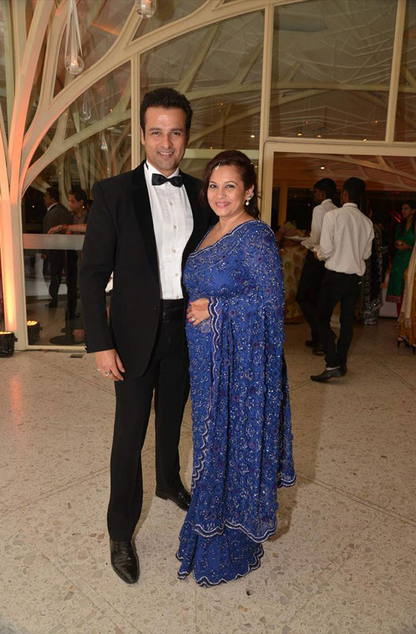 زفاف النجمة الهندية بوربى جوشي في حضور مشاهير بوليوود.. صور