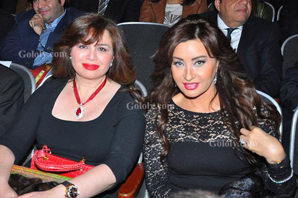 لطيفة - الهام شاهين - تكريم النجوم بافتتاح مهرجان المركز الكاثوليكي