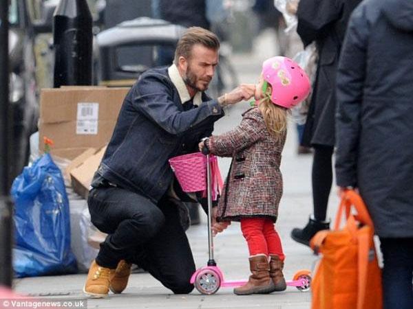 إبنة ديفيد بيكهام الجميلة تلفت الانظار في لندن