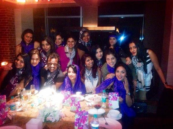 خطوبة الممثلة الهندية تريشا كريشنان في حفل عائلي.. صور