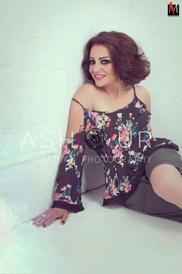 جولولي   هبة عبدالغني بإطلالة جريئة في أحدث جلساتها.. صور