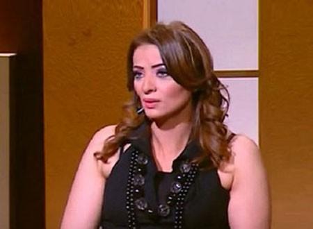 مونيا الزوجة الرابعة للحاج متولي تعود بعد غياب والجمهور ينتقدها.. فيديو