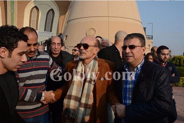 محمد صبحي يشيع جنازة زوجته نفين رامز