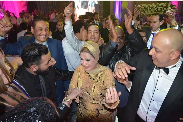 نجوم الفن فى زفاف شقيق الفنانة صابرين