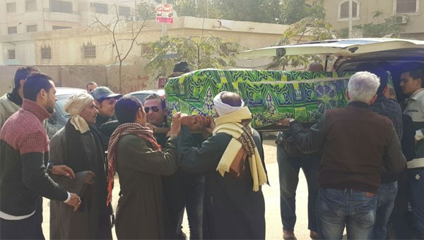 جنازة والدة الفنان احمد عزمي