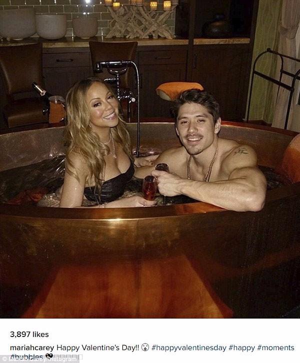 ماريا كاري تحتفل بعيد الحب حبيبها الاستحمام