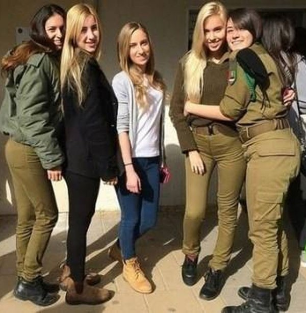 مجندات اسرائيليات
