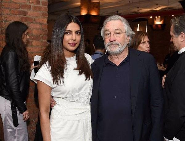 بريانكا شوبرا في موعد غداء مع روبرت دي نيرو.. صور
