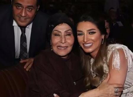 تكريم سهير البابلي وعدد من النجوم في احتفالية طيبة بجامعة القاهرة.. صور