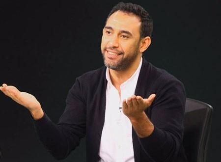 عمرو مصطفى يعلن تصفية خلافاته مع الهضبة