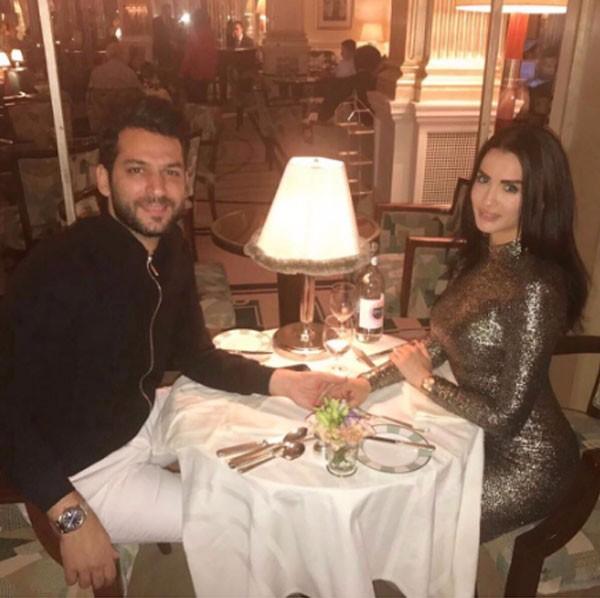 مراد يلدريم يحتفل بذكرى لقائه