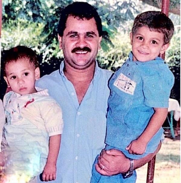 محمد رشاد ووالده وشقيقه