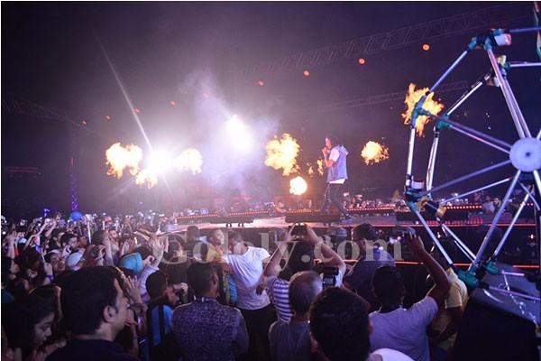 بوي باند يشعل الساحل الشمالي ويحصد الهدايا و احمد الفيشاوي مفاجأة الحفل