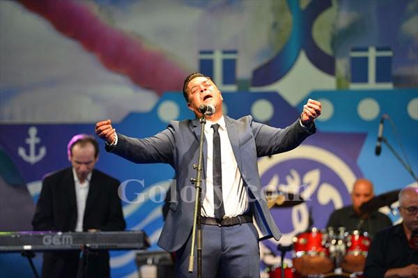 حفلة مدحت صالح علي مسرح الهناجر بمناسبة قناة السويس