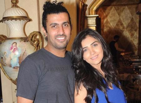 محمد سامي و مي عمر