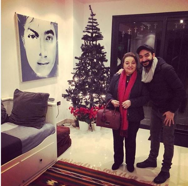 نادر حمدي ووالدته