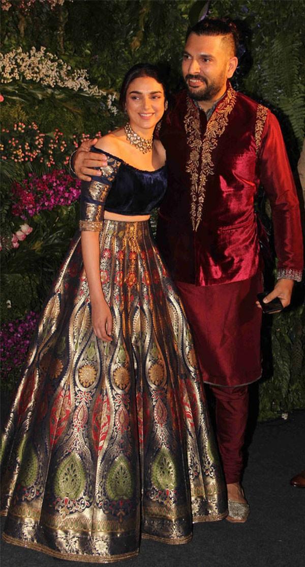 بالصور.. أجمل فساتين المشاهير في حفل زفاف النجمة أنوشكا شارما