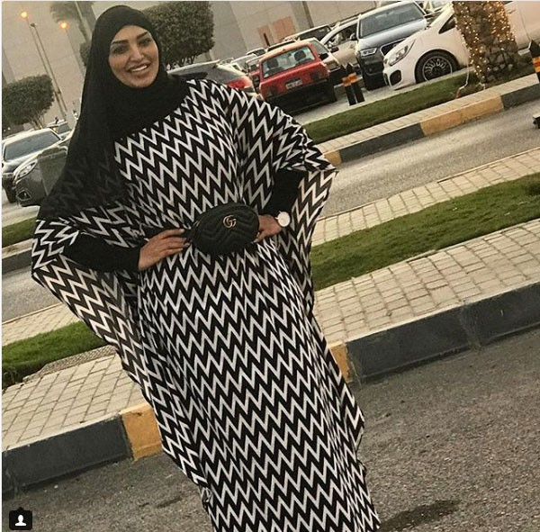 جولولي | سالي عبدالسلام تفاجئ جمهورها وترتدي الحجاب.. شاهد
