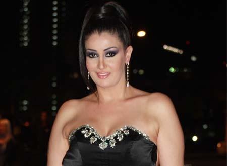 غادة عبدالرازق سيدة شعبية في «سلطانة المعز»