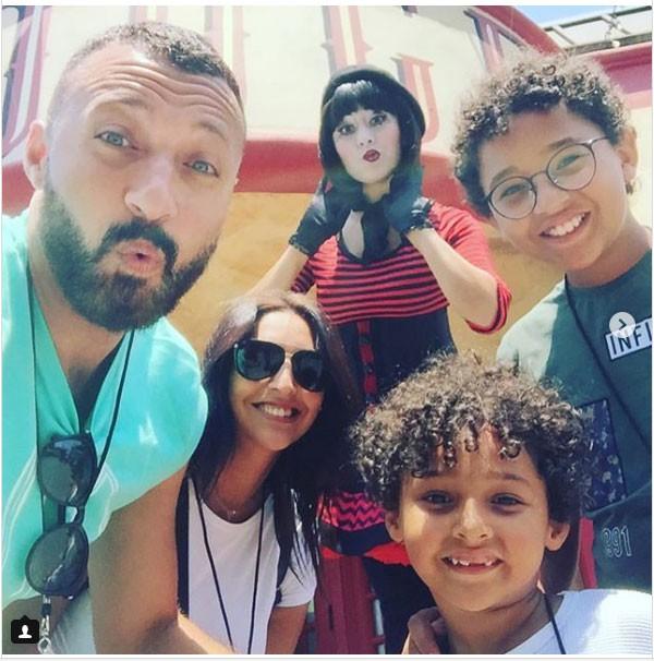احمد فهمي وعائلته